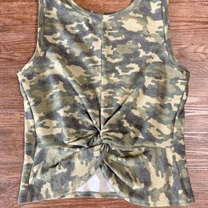 🦄🦄🦄Forever21 Sleeveless Front Knotted